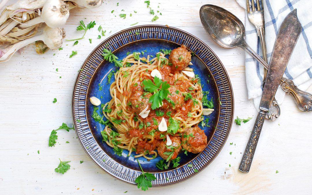Ört- & lammfrikadeller i tomatsås