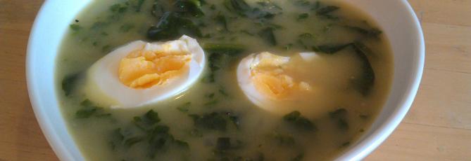Spenatsoppa med ägg