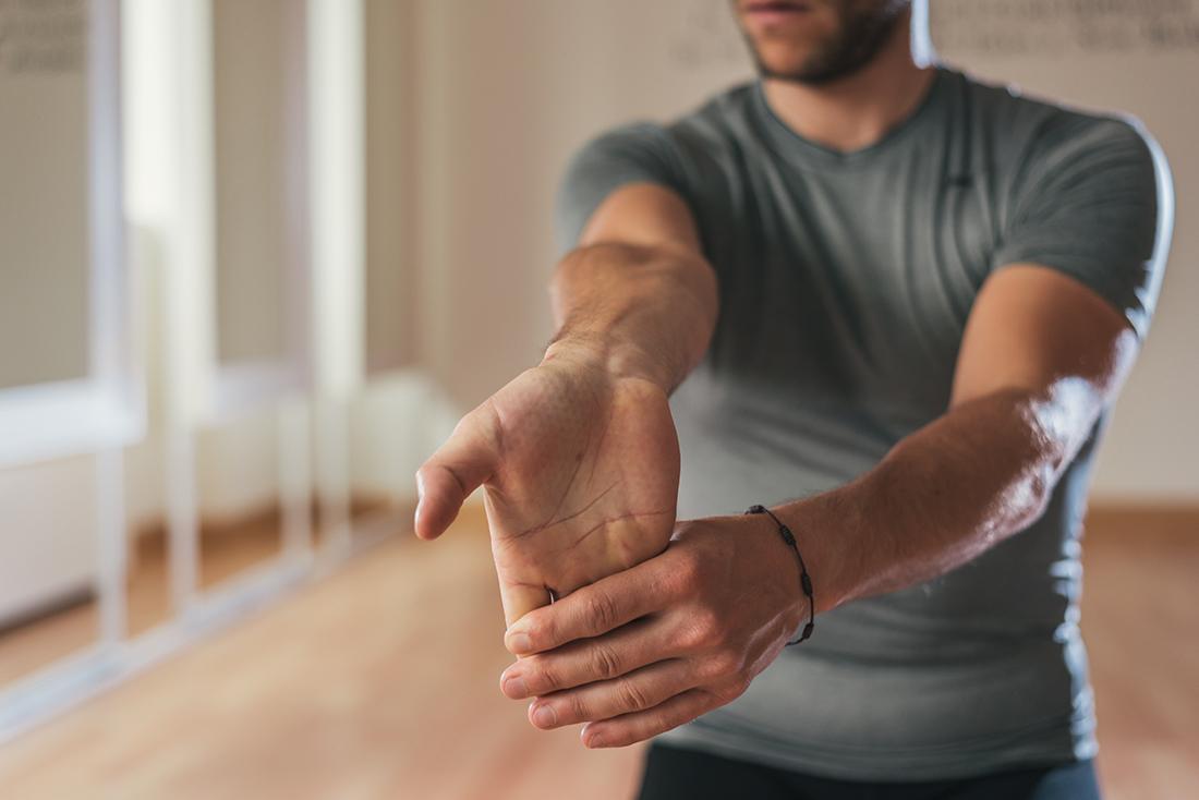 träna underarmar utan redskap