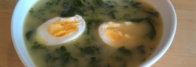 Spinatsuppe med egg