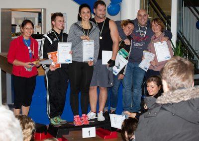Glückliche Gewinner - die Sieger des Indoor Triathlons in Gießen